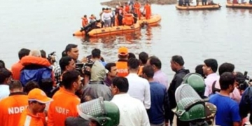 ভারতে নৌকাডুবে ১২ জন নিহত